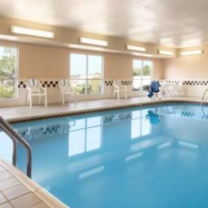 Country Inn & Suites by Radisson Davenport IA