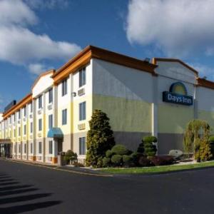 Days Inn By Wyndham Hartford/Closest Downtown