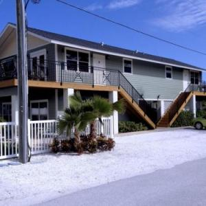3 Star Hotels Holmes Beach - Deals at the #1 3 Star Hotels in Holmes