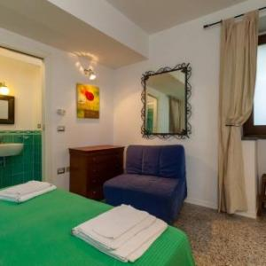 Book Now Casa De Luca (Ceraso, Italy). Rooms Available for all budgets. Immersed in the Cilento and Vallo del Diano National Park Casa De Luca features free Wi-Fi throughout and free private parking. It offers a shared kitchen free BBQ facilities