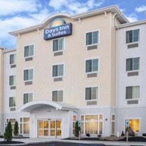 St John Arena Steubenville Hotels - Days Inn Cadiz
