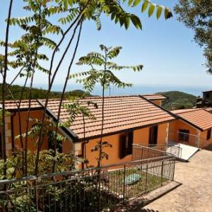 Book Now I Tre Pini (Pollica, Italy). Rooms Available for all budgets. Set in Pollica I Tre Pini offers a garden and modern-style apartments with panoramic view of the Tyrrhenian Coast. This property is consists of 2 buildings.The air-conditioned