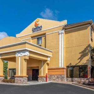 Hotels near Six Flags Over Georgia - Comfort Inn & Suites Galleria