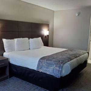 Days Inn & Suites by Wyndham Charleston Airport West