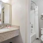 Days Hotel by Wyndham University Ave SE