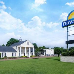 Days Inn By Wyndham Natchez