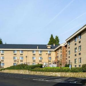 Hotels near New Hope Community Church Portland - Clarion Inn & Suites Clackamas -Portland