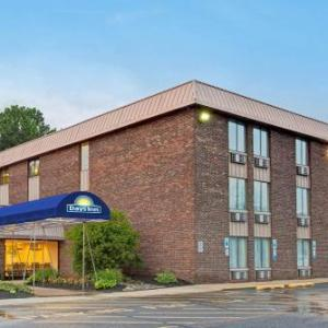 Hotels near Six Flags Great Adventure - Days Inn East Windsor/Hightstown