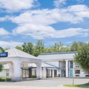 Days Inn North Little Rock East AR, 72117