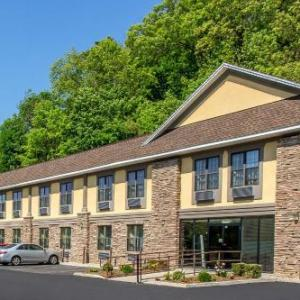 Hotels near Sussex County Technical School - Quality Inn Near Mountain Creek