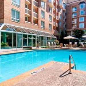 Hotels near Sandy Springs Performing Arts Center - Hilton Atlanta Perimeter Suites