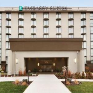 Hotels near Nickelodeon Universe - Embassy Suites by Hilton Bloomington / Minneapolis