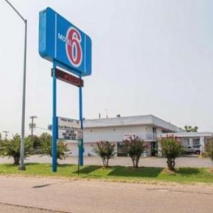 Motel 6 West Memphis Hotel