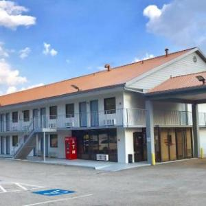 Hotels near Porter Sanford III Performing Arts Center - Americas Best Value Inn - Decatur/atlanta