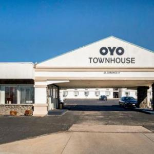 OYO Townhouse Dodge City KS
