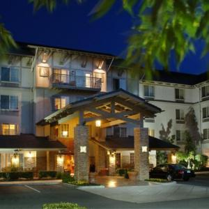 Hotels near Hornings Hideout - Larkspur Landing Hillsboro - An All-Suite Hotel
