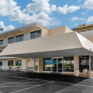 Super 8 Daytona Beach Oceanfront