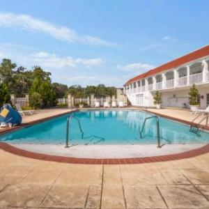 Gulf Hills Hotel & Conference Center