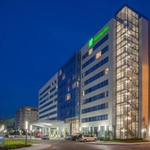 Hotels near Western Reserve Historical Society - Holiday Inn Cleveland Clinic