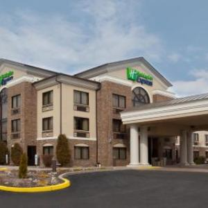 Hotels near Moraine State Park - Holiday Inn Express Grove City-Prime Outlet Mall