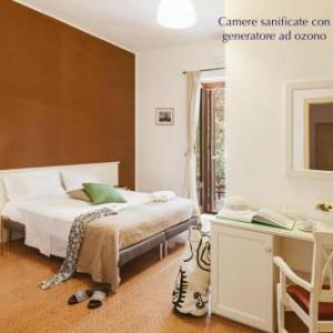 Book Now B&B Viale dei Pini (Castellaneta Marina, Italy). Rooms Available for all budgets. Set in Castellaneta Marina  35 km from Matera B&B Viale dei Pini features free WiFi access and private parking.Each room at this bed and breakfast is air conditioned and i