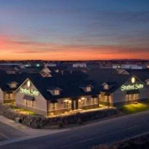 Hotels near Northern Quest Resort and Casino - Stratford Suites Spokane Airport