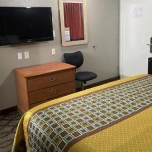 Super 7 Inn TN, 38116