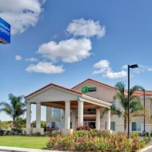 Holiday Inn Express Delano Hwy 99