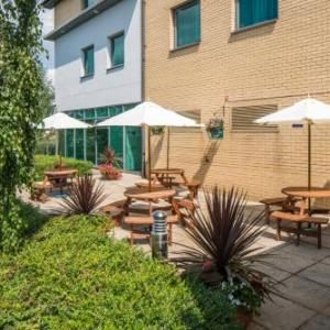 Keepmoat Stadium Hotels - Express By Holiday Inn Doncaster