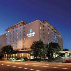 Charleston Municipal Auditorium Hotels - Embassy Suites Charleston