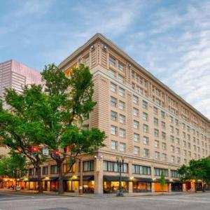 Hotels near Paris Theatre Portland - Embassy Suites Hotel Portland-Downtown