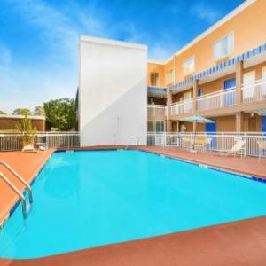Hotels near Ted Wright Stadium - Baymont by Wyndham Savannah Midtown