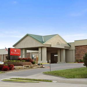 Pet Friendly Hotels Near Firekeepers In Battle Creek From Firekeeper S Amp