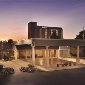 Hotels near Belle of Louisville - Radisson Hotel Louisville North