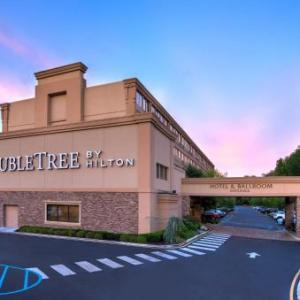 Brookdale Community College Hotels - DoubleTree Tinton Falls Eatontown