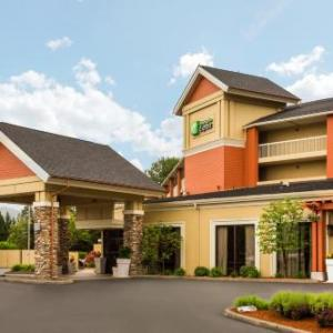 Hotels near Douglas County Fairgrounds Roseburg - Holiday Inn Express Roseburg