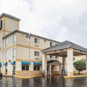 Hotels near Merrillville High School - Comfort Inn Schererville