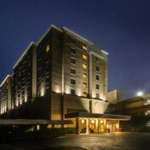 Hotels near Cross Insurance Center - Hollywood Slots Hotel And Raceway