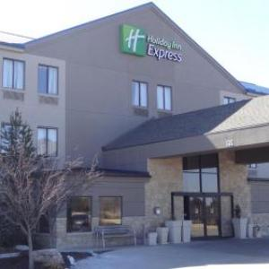 Holiday Inn Express Kansas City-Bonner Springs