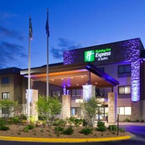 Hotels near Golden Valley Country Club - Holiday Inn Express Hotel & Suites Minneapolis-Golden Valley