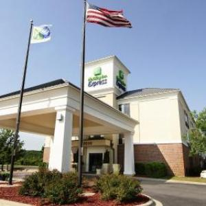 Holiday Inn Express And Suites Delafield