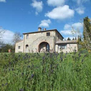 Book Now Villa Colombaio (Radicofani, Italy). Rooms Available for all budgets. Featuring an outdoor swimming pool and a garden with BBQ facilities Villa Colombaio offers a self-catering villa in a renewed 16th-century monastery. Radicofani is a 10-minute