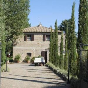 Book Now Villa Podere Isabella (Radicofani, Italy). Rooms Available for all budgets. Featuring a private pool and free Wi-Fi Villa Podere Isabella is located in La Palazzina a 10-minute drive from Radicofani. Guests can especially enjoy the terrace with outdoo