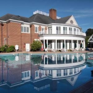 Colonial Downs Hotels - Williamsburg Plantation