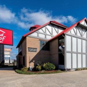 Hotels near Monroe Civic Center Arena - Stratford House Inn