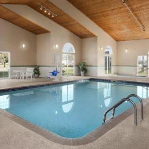 Oleson Park Bandshell Hotels - Country Inn & Suites By Carlson - Fort Dodge