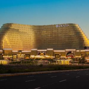 Manila Hotels Deals At The 1 Hotel In Manila Philippines
