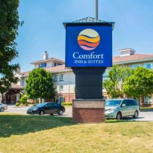 Delaware Speedway Hotels - Comfort Inn & Suites
