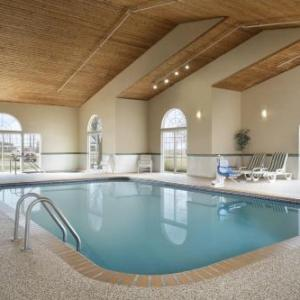 Country Inn & Suites By Radisson Grinnell Ia