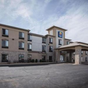 Sideouts Sports Tavern Hotels - Comfort Inn Crystal Lake